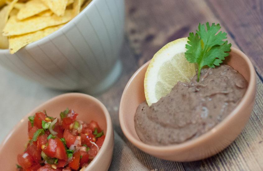 Tortilla Chips mit Bohnen-Schoko-Mus